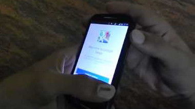 Mobile user taking a screenshot