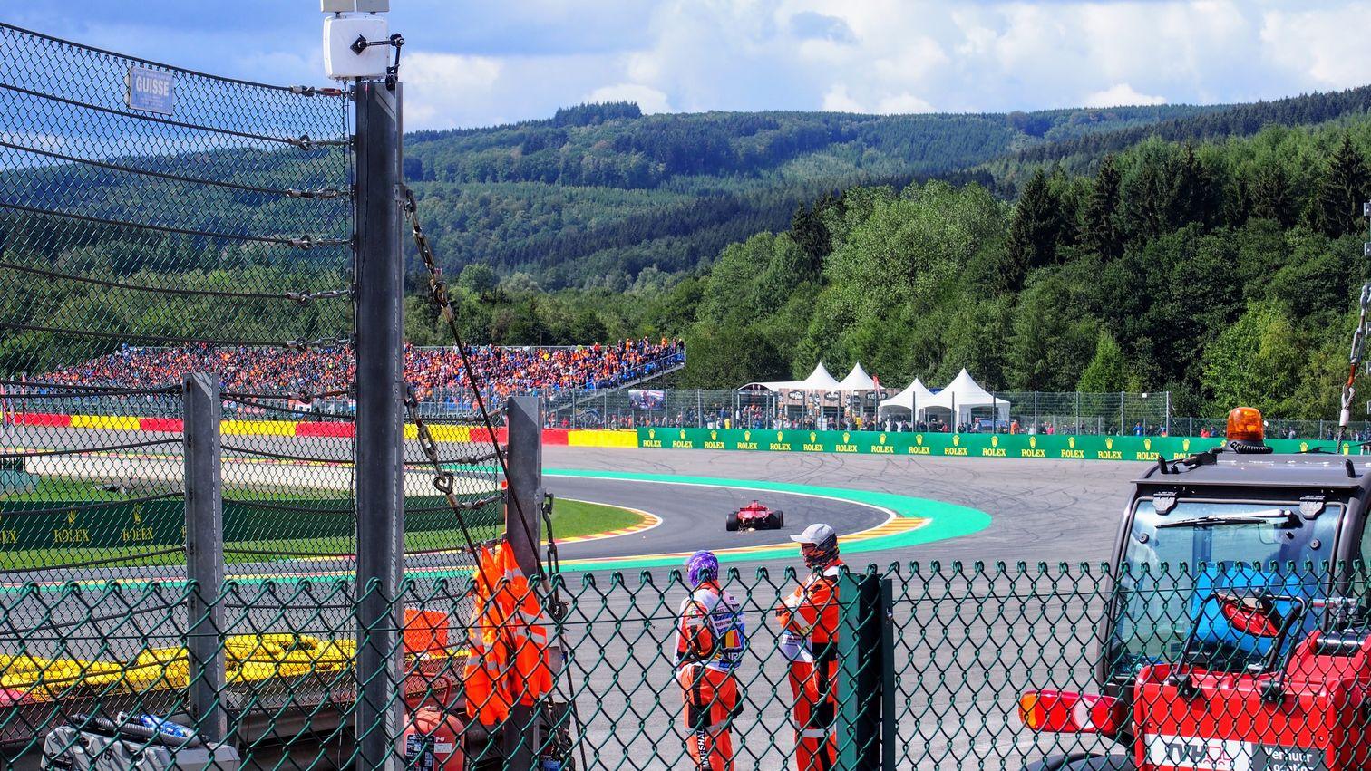 Ferrari going through Pouhon