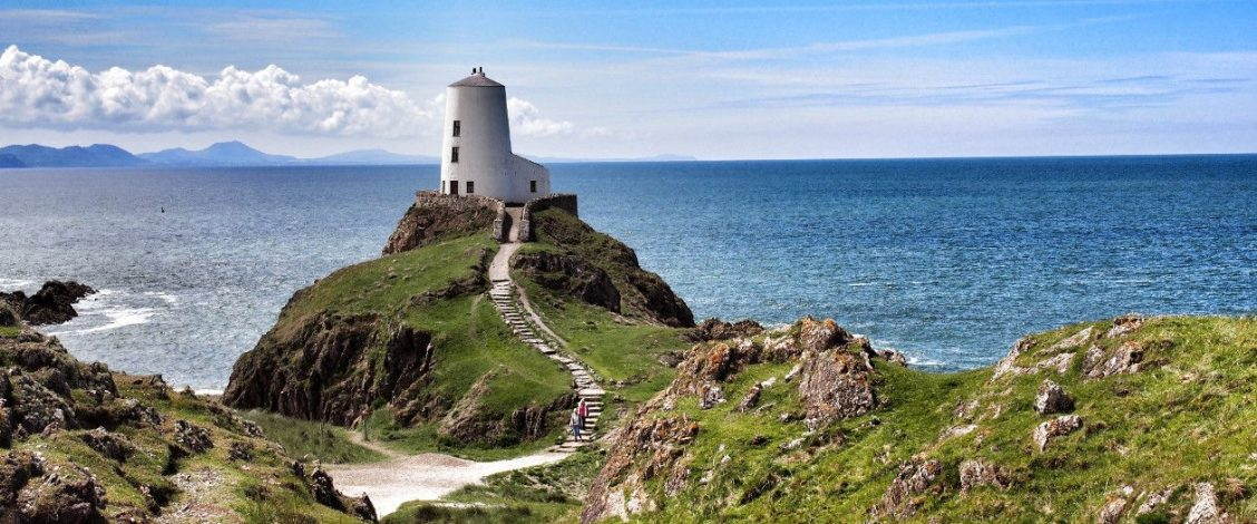 Llanddwyn old lighthouse