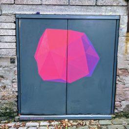 Dundee Open/Close street art - by Tytus Skafander