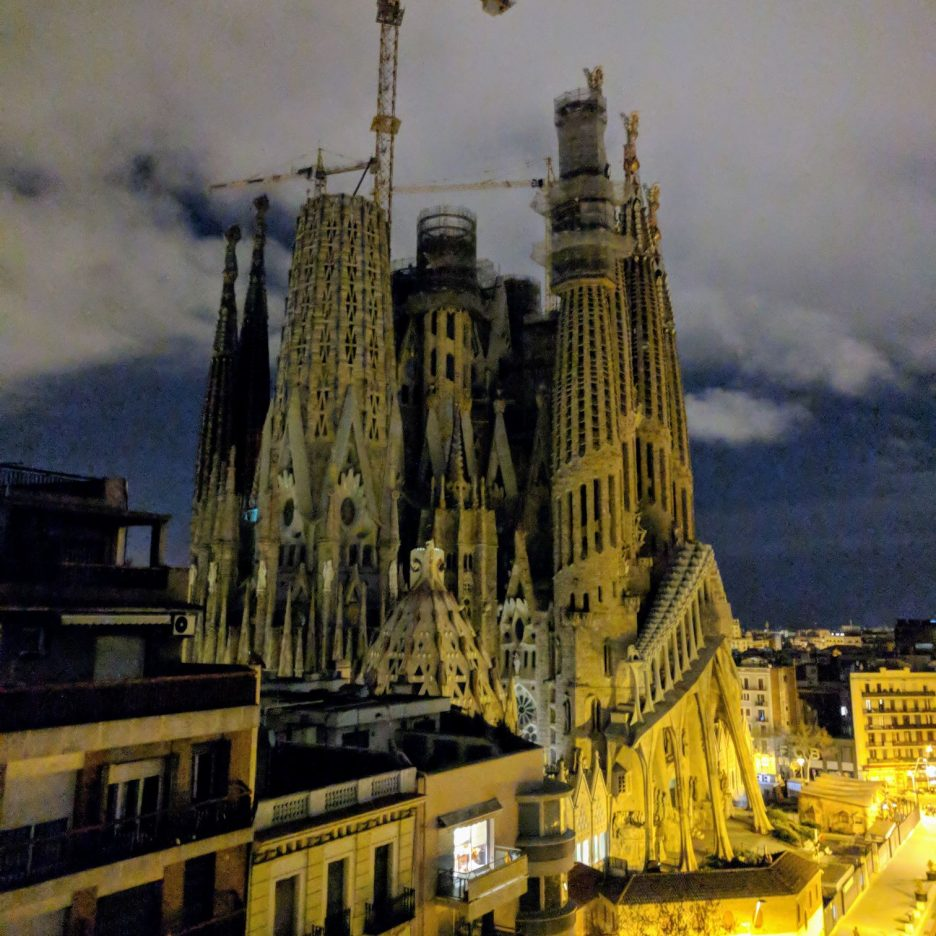 Sagrada Família at night