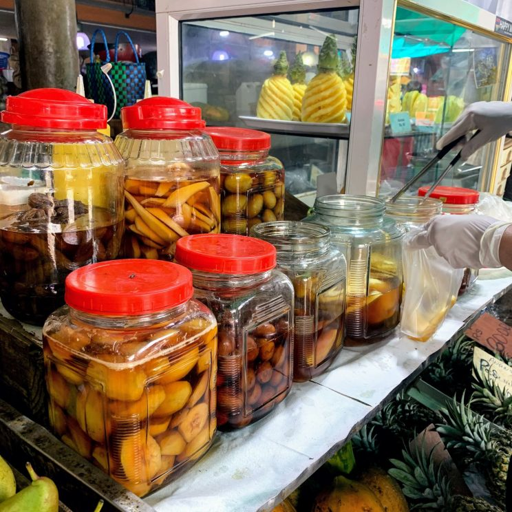 Anana confit in jars