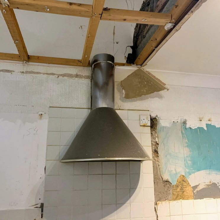 Old extractor fan, going nowhere